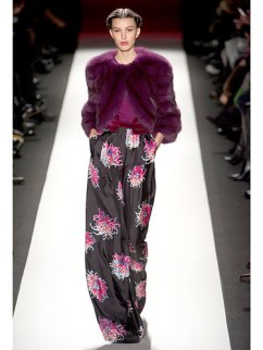 rby-colored-fur-carolina-herrera-de