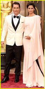 matthew-mcconaughey-camila-alves-matching-couple-on-oscars-2014-red-carpet