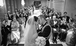 photo first kiss