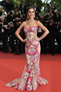 "British singer Cheryl Fernandez-Versini poses on May 13, 2016 as she arrives for the screening of the film ""Ma Loute (Slack Bay)"" at the 69th Cannes Film Festival in Cannes, southern France. / AFP / ALBERTO PIZZOLI (Photo credit should read ALBERTO PIZZOLI/AFP/Getty Images)"