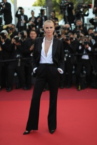 Charlize in Dior couture