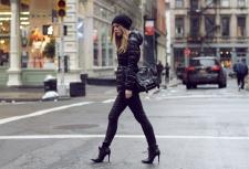 puffer-coat-heels-street-style