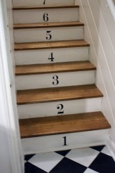 stairs-with-numbers